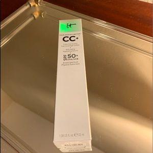 It Cosmetics CC cream- Light-Med- New- 1.08